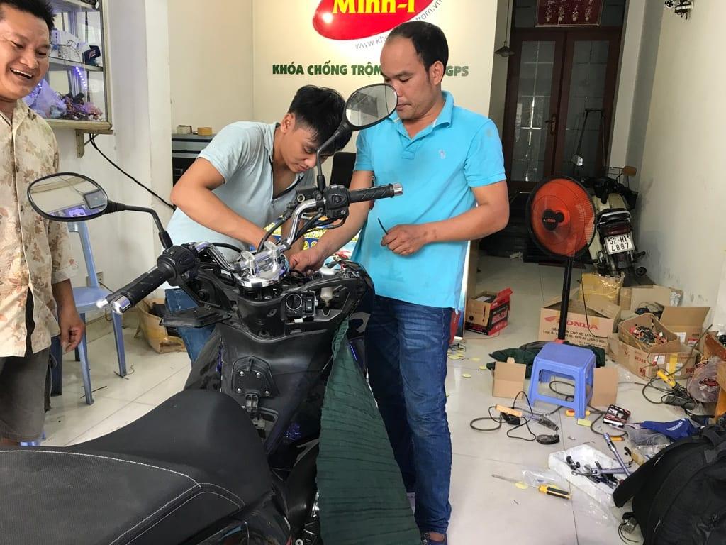 địa chỉ phần phối thiết bị định vị gps xe máy