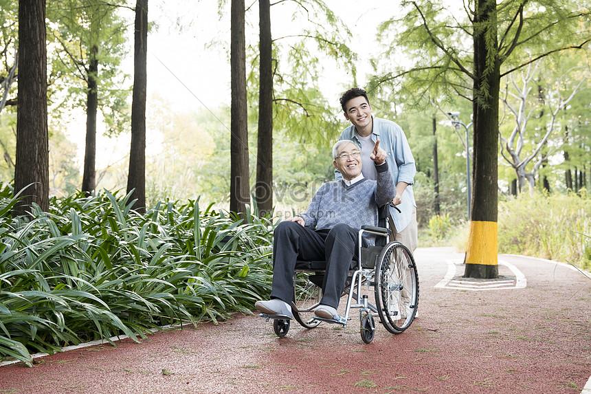 Cách chăm sóc người bị liệt mà bạn nên biết