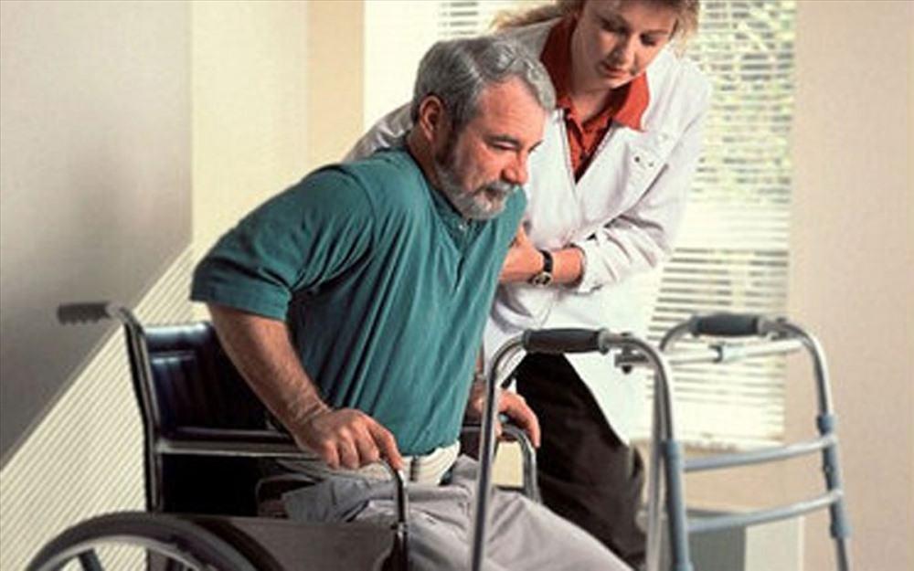 chăm sóc cho người liệt